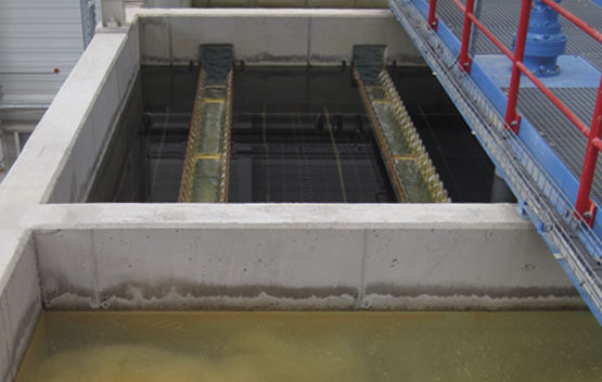 Photo of a sedimentation tank equipped with TUBEdek lamellas